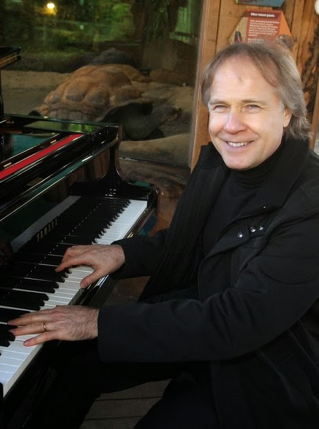 1551962639-Richard-clayderman.jpg.jpg